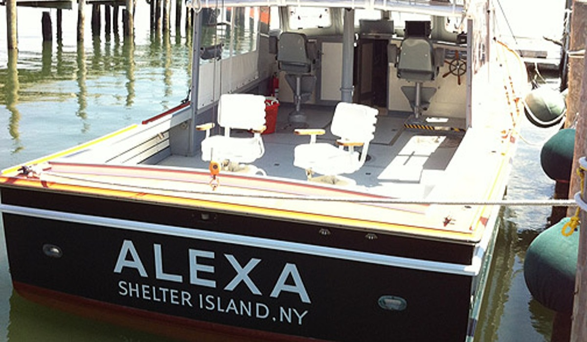 Fishing boat with the name Alexa